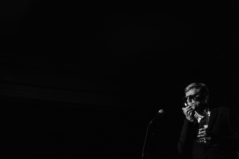 Vladislavs Nastavševs: «Ko nozīmē cerēt? Tas aizstāj vienkāršo apziņu, ka īstenībā nav, uz ko cerēt.» Foto – Lauris Vīksne